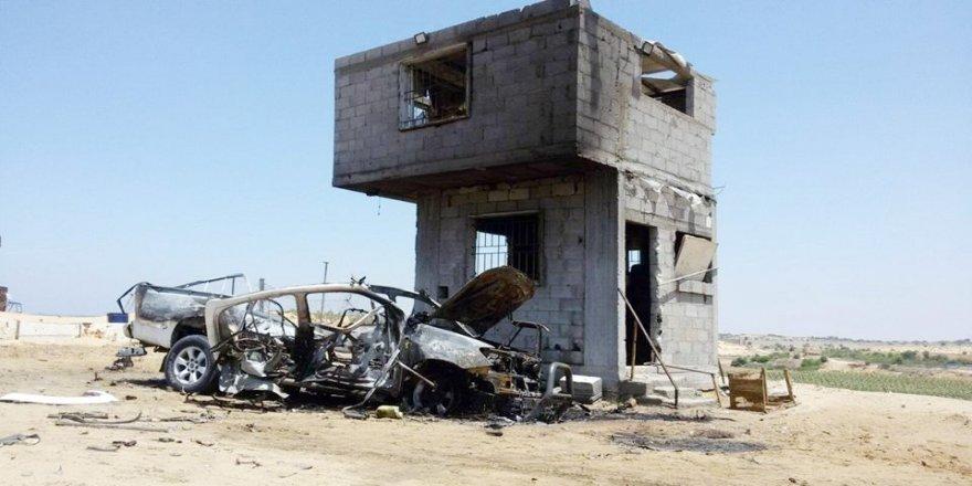 İsrail, Gazze'de sivil bir araca saldırdı