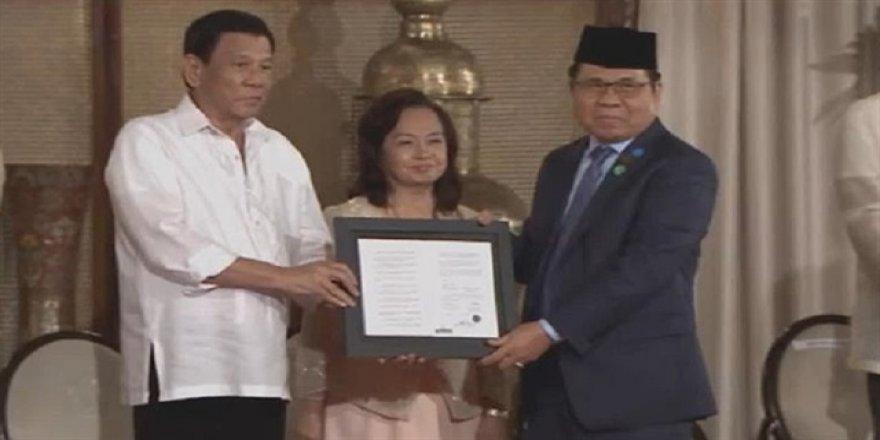 Duterte imzaladı