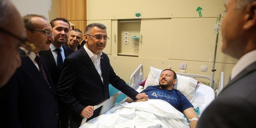 Oktay, selde yaralanan vatandaşları ziyaret etti