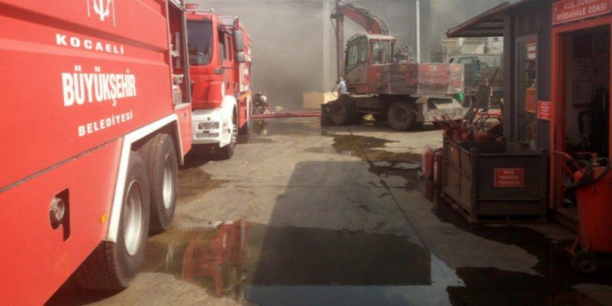 Atık yağ fabrikasında yangın