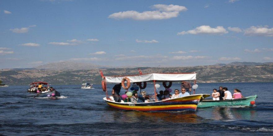 Tekneyle sünnet gezisi