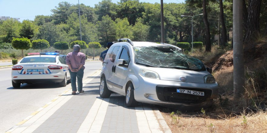 Virajı alamayan sürücü kaza yaptı