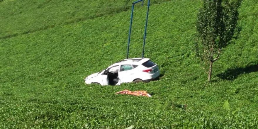 Otomobil çay bahçesine uçtu: 1 ölü