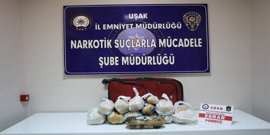 Uyuşturucu tüccarı baba oğul tutuklandı