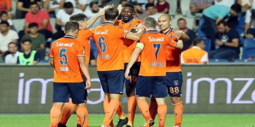 Başakşehir'de hedef play-off