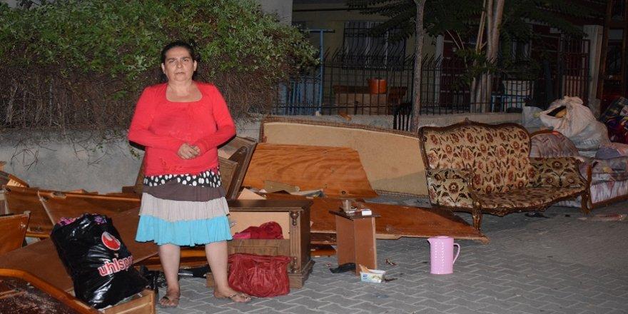Kirasını ödeyemeyen kadın sokağa atıldı