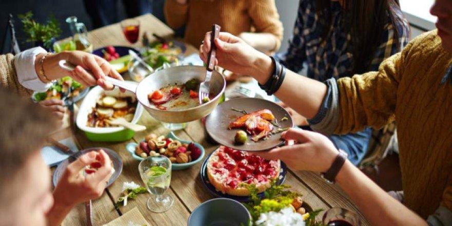 Yemek yemeğe günde ortalama 1 saat 58 dakika ayırıyoruz