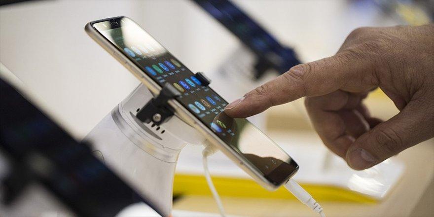 Cep telefonu pazarı 2,5 milyar liraya ulaştı