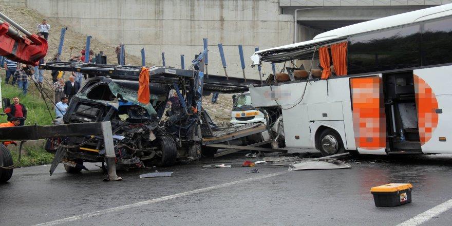 Kocaeli'de 134 kişi trafik kazalarında hayatını kaybetti