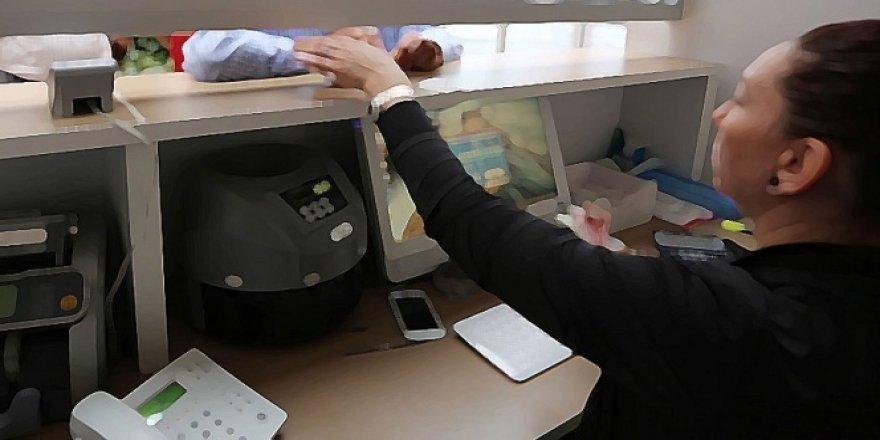 Arefe günü bankalar, eczaneler, PTT açık olacak mı? 20 Ağustos 2018 Pazartesi Arefe günü bankalar saat kaça kadar açık?