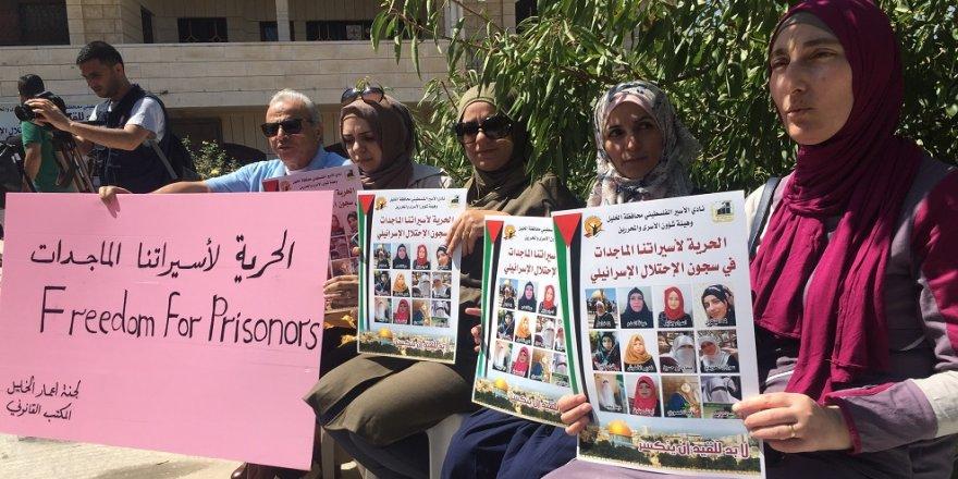 Filistinliler, İsrail'i oturma eylemiyle protesto etti