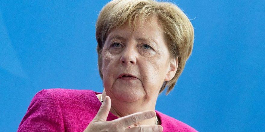 Angela Merkel, İsrail'e gidiyor