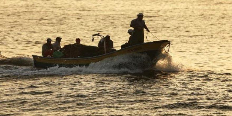 İsrail, balıkçıları gözaltına aldı