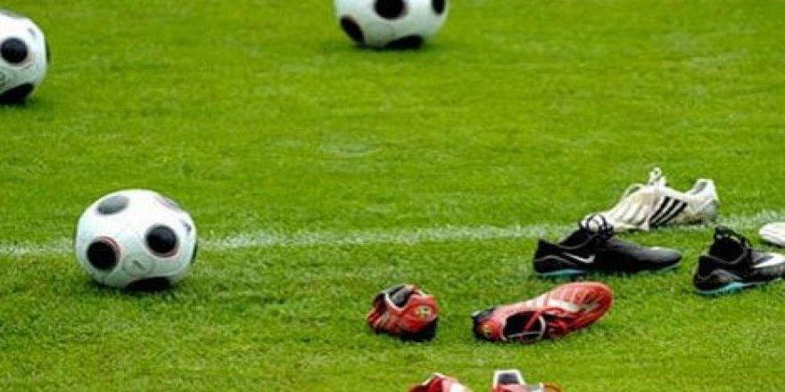 Süper Lig'de Ayrılık ! Ünlü Teknik Adamın Görevine Son Verildi