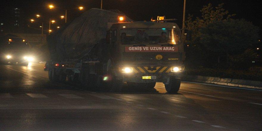 Suriye sınırına tank ile fırtına obüs sevkiyatı yapıldı