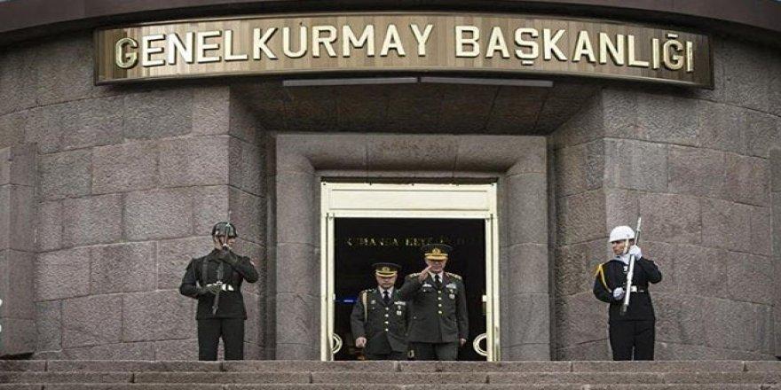 Gözaltına alınan 2 Türk askeri Türkiye'ye iade edildi
