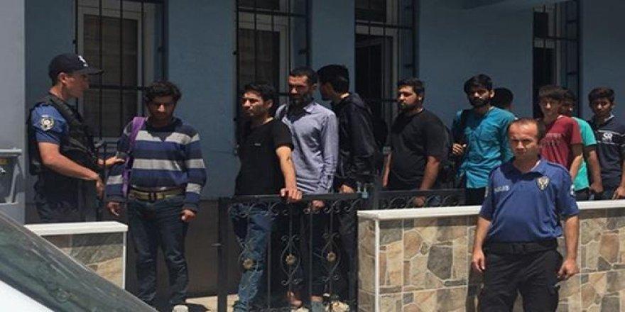 23 düzensiz göçmen yakalandı