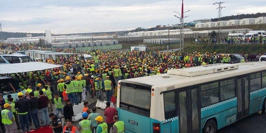 İGA Genel Müdürü Kadri Samsunlu eylem yapan işçilerle görüştü