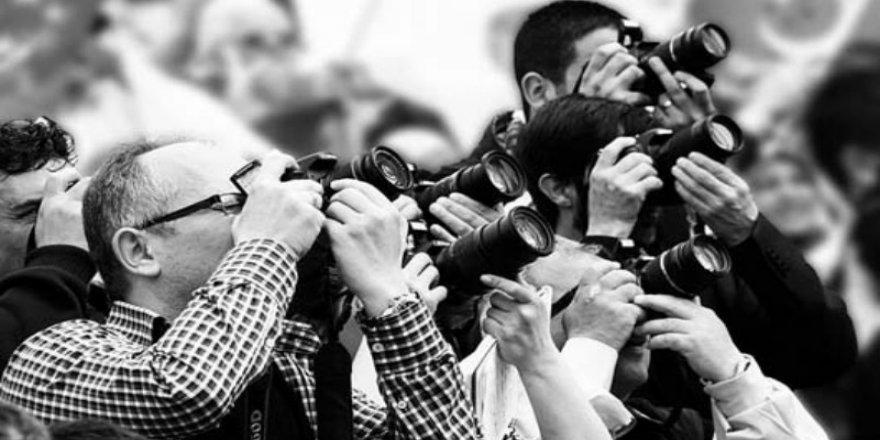 Gazeteciler tepkili