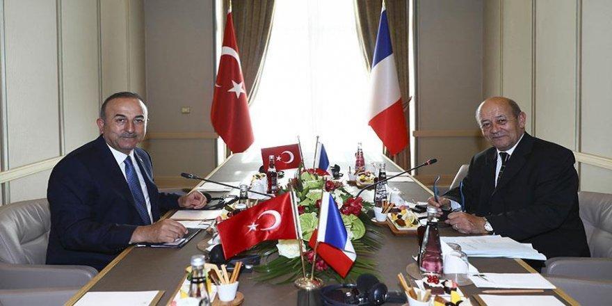 Çavuşoğlu, Le Drian'la görüştü