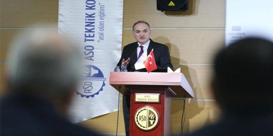 Bakan Özlü: 'Türkiye'deki açık teknoloji açığıdır'