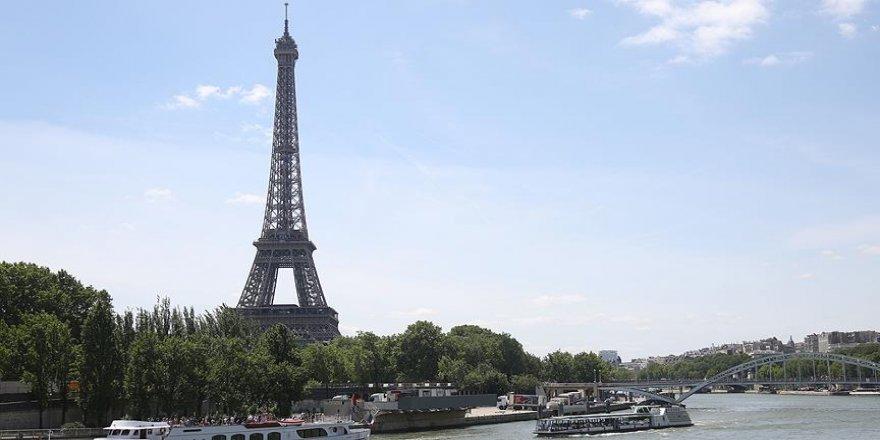 20 ton kaçak Eyfel Kulesi maketi !