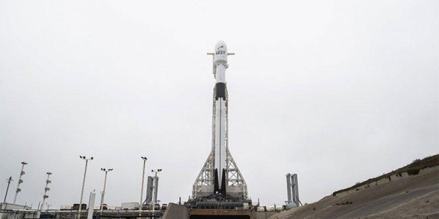 Tesla dünyanın en büyük uydu değişimini yapıyor