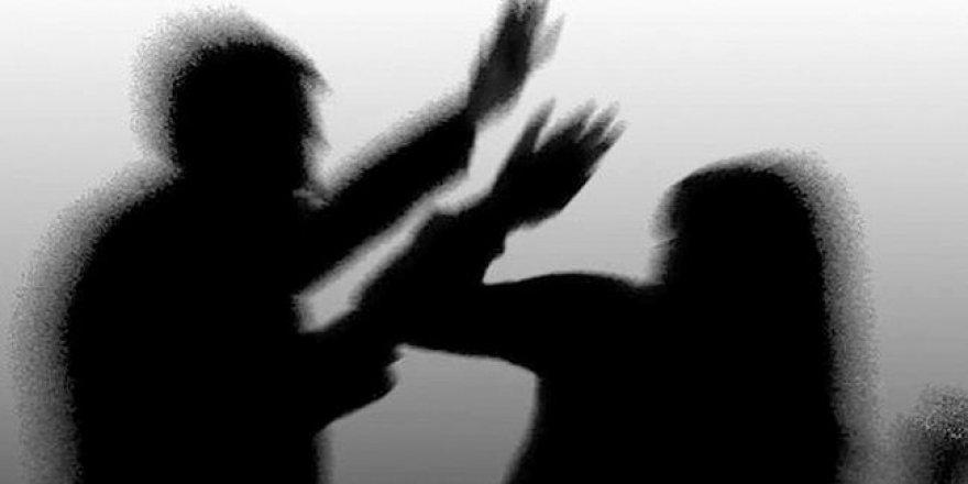 8 çocuk annesi kadın kocası tarafından 20 bıçak darbesiyle vahşice öldürüldü