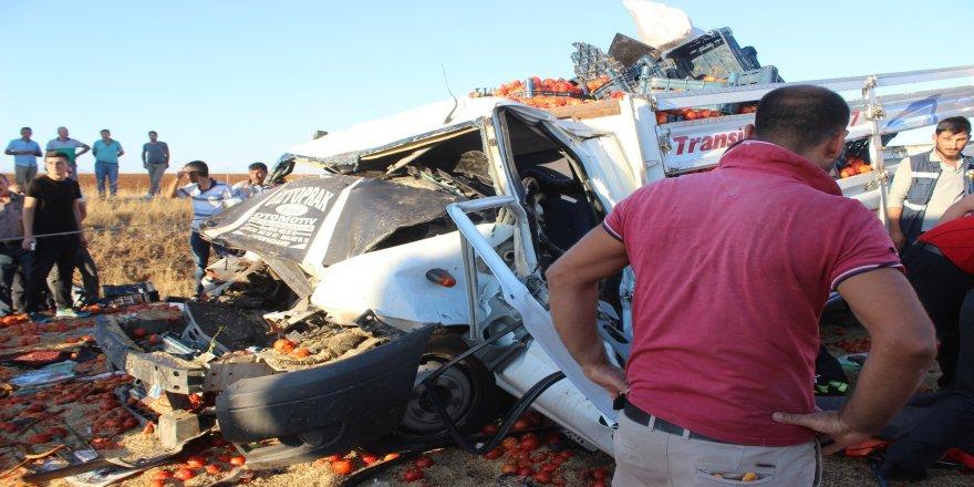 Kamyona çarpan sürücü hayatını kaybetti