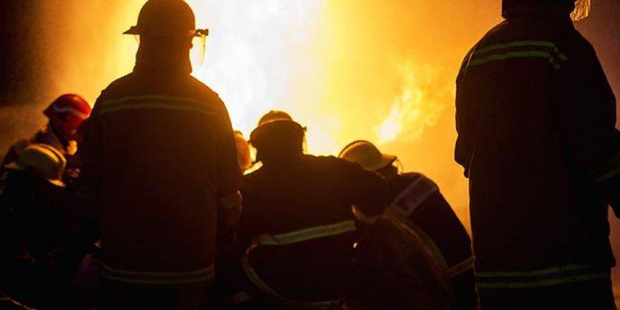 Yangında 15 bin TL nakit parası kül oldu