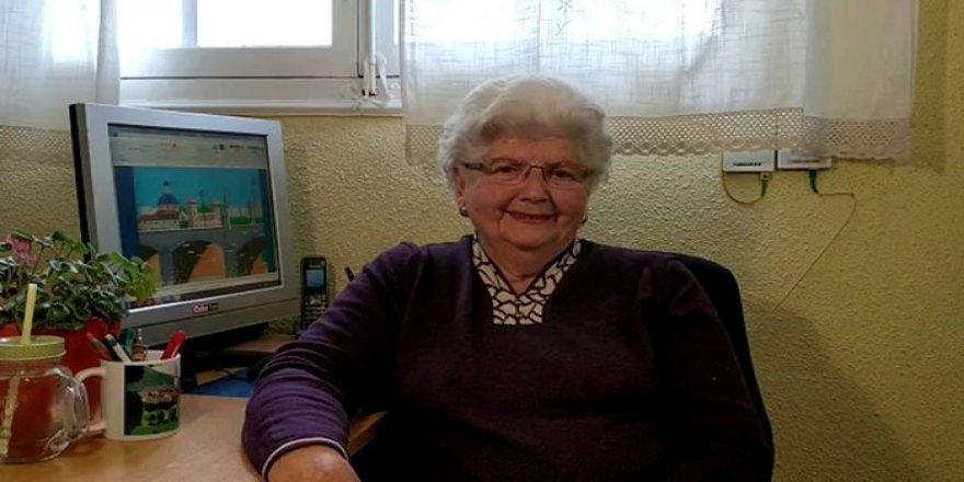 87 yaşındaki kadının paint kullanarak yaptığı resimlere inanamayacaksınız!