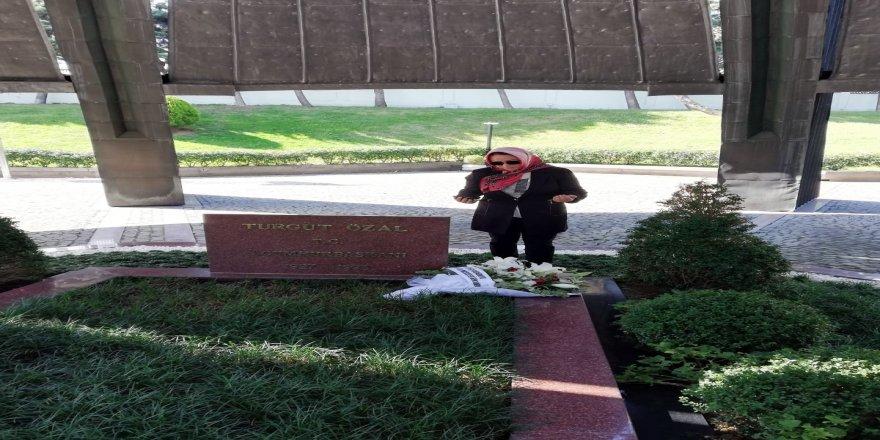 Rektör Prof. Dr. Karabulut'tan Özal'ın anıt mezarına ve ailesine ziyaret