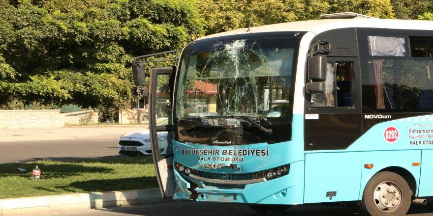 Halk otobüsleri çarpıştı: 7 yaralı