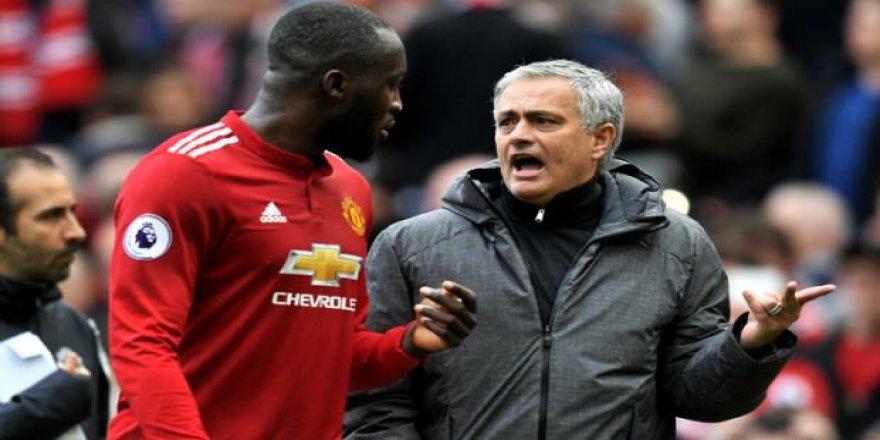 Mourinho'dan oyuncularına ağır sözler!