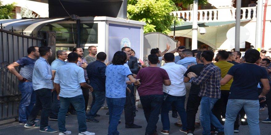 İYİ Partili il başkanına saldırı: 4 gözaltı!
