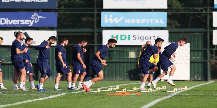 Fenerbahçe, derbi maç için kampa girdi