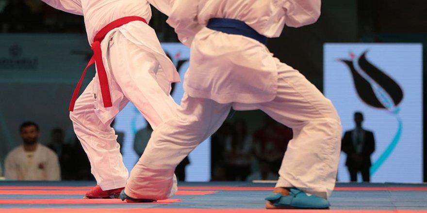 Karatede 12 madalya