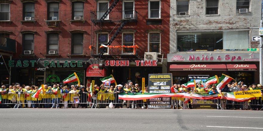 Ruhani ABD'de Protesto edildi
