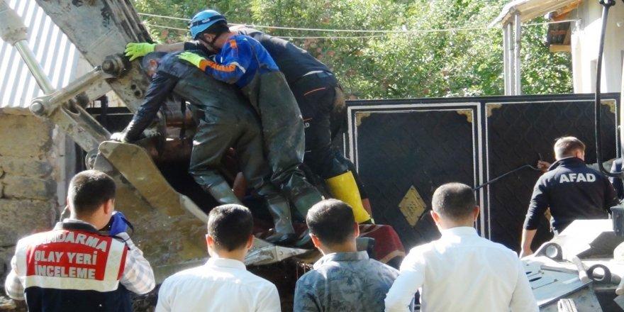İçme suyu borusuna düşen işçinin cesedi bulundu