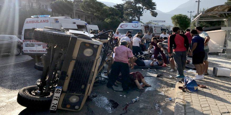 Safari cipi devrildi: 11 yaralı