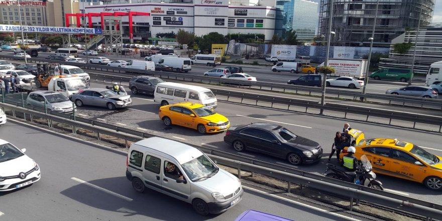 E-5 karayolunda zincirleme trafik kazası
