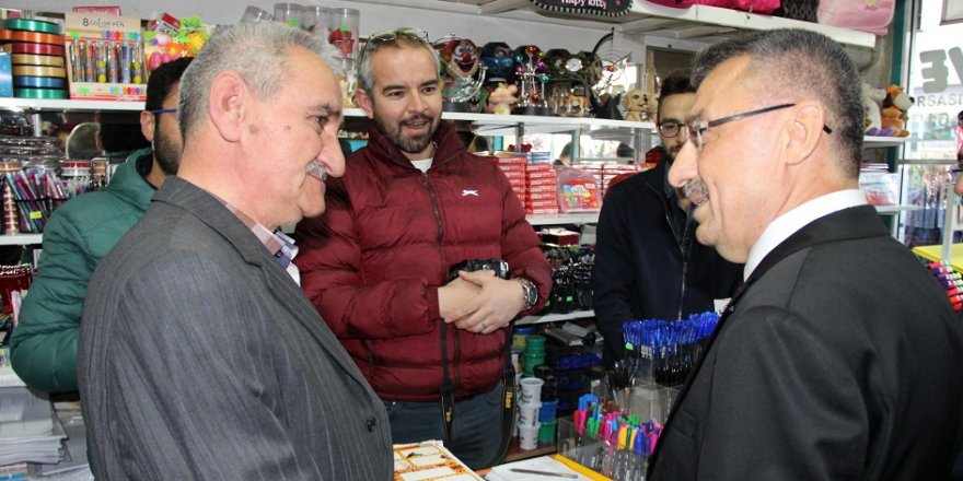 Cumhurbaşkanı Yardımcısı Oktay, esnafla buluştu