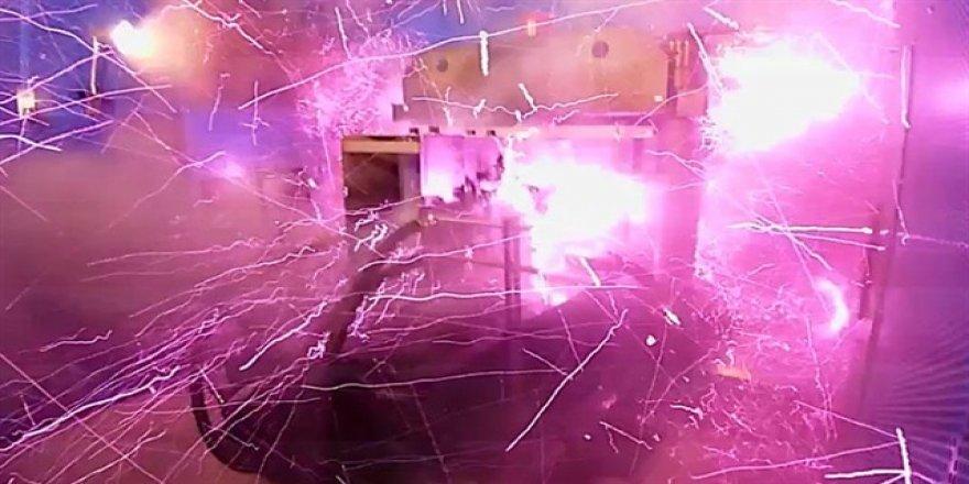 Rekor kırmak isterken laboratuvarı patlattı