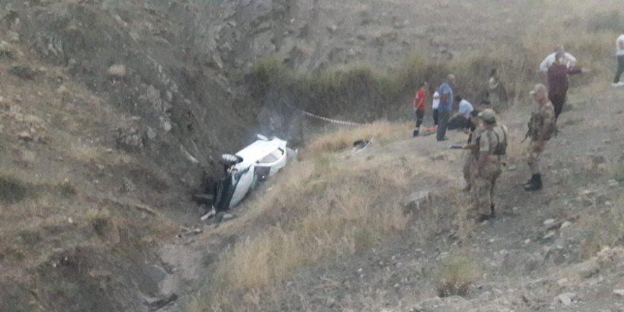 Gelin aracı kaza yaptı