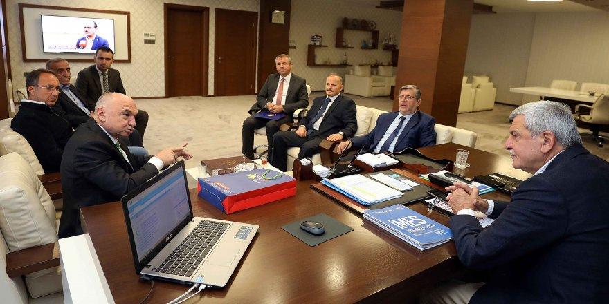 Başkan Karaosmanoğlu'ndan sanayiye destek