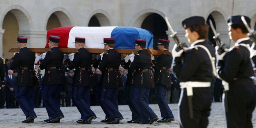 Ünlü sanatçı Charles Aznavour ulusal törenle son yolculuğuna uğurlandı