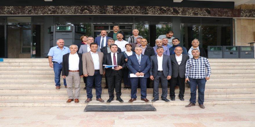 CHP'den Atatürk'e hakaret iddiasına suç duyurusu