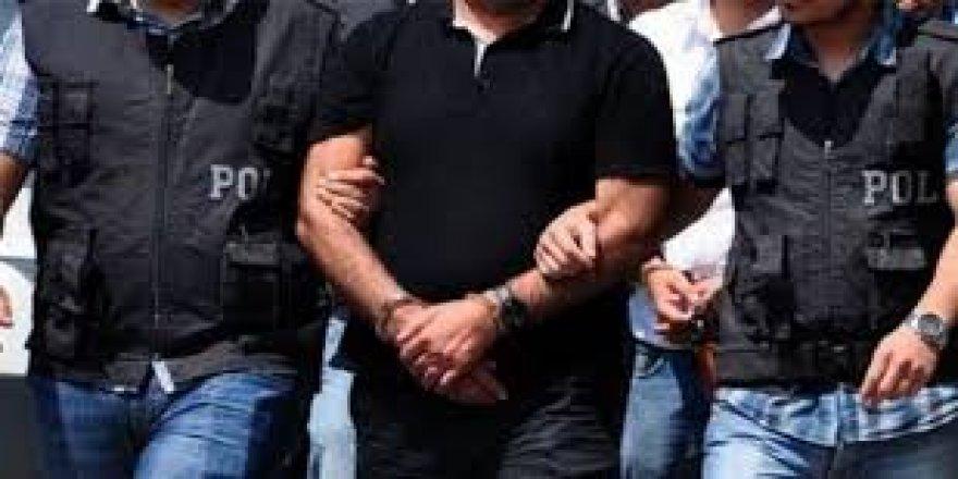 Sosyal medyada Atatürk'e hakaret eden öğretmen tutuklandı