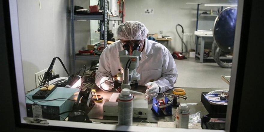 Prof. Dr. Aslan: Uzayla ilgili en önemli konu Ay'a üs kurulması