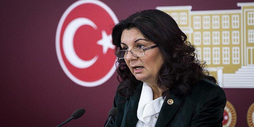 """CHP'den """"ihtiyaç fazlası öğretmen"""" eleştirisi"""